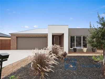 001_Open2view_ID405457-14_Francis_Court___Kilmore.jpg