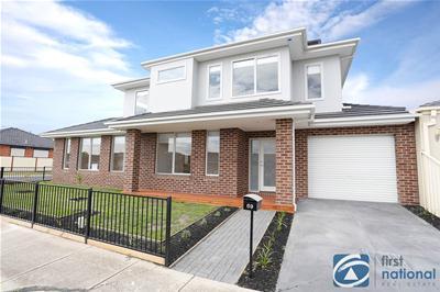 LowRes-6131_69 Allenby Road Hillside1764326_162EOS5D_458.jpg