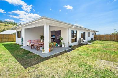 house Cannonvale Airlie Beach JuanitaFNWC 0473 214 352 First National Whitsunday Coast Buy Sell Lease 1
