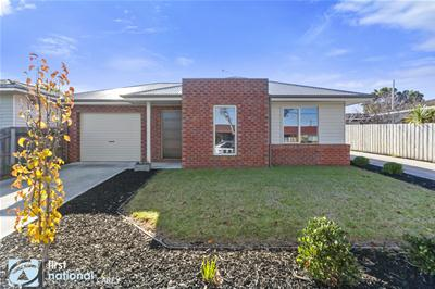 001_Open2view_ID468917-1_6_Waitara_Grove.jpg