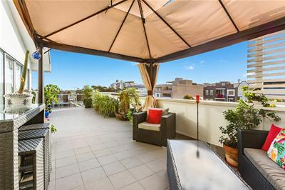 Roof top balcony (1).jpg