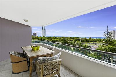 Unit 30 Grand Mariner, 12 Commodore Dr, Paradise Waters - Low Res_1814.jpg