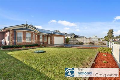 013_Open2view_ID467293-8_Georgia_Close__Tooradin.jpg