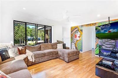 66_Currumburra_Rd (8 of 9).jpg