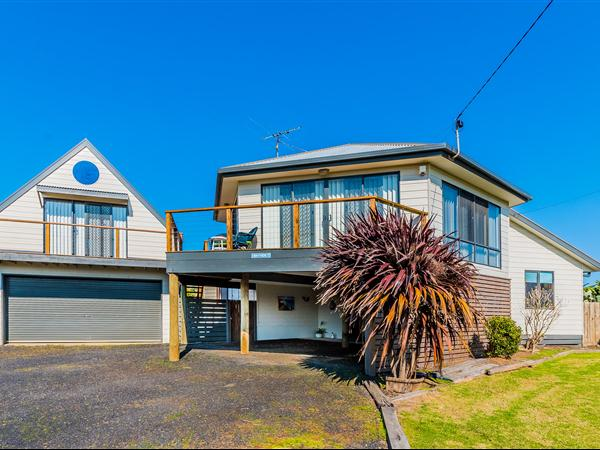 1 Bayview Avenue, Surf Beach