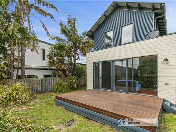 15A Beach Road, Rhyll