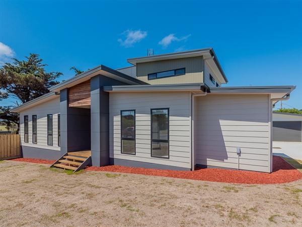 2A Bayview Avenue, Surf Beach