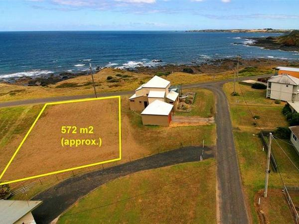 56 The Esplande , Sunderland Bay