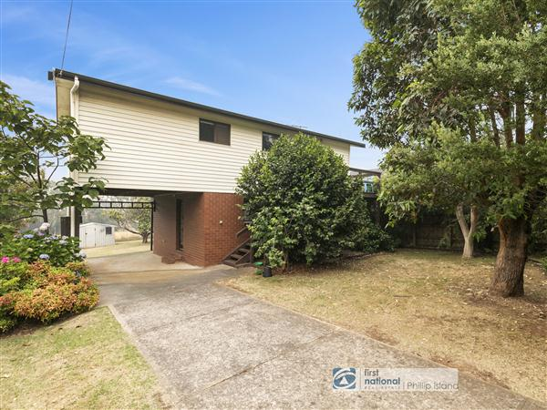 118 Red Rocks Road, Cowes