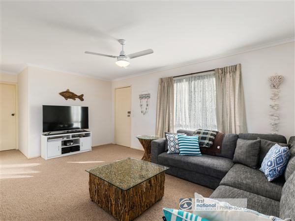 21  Raywood Drive, Cowes