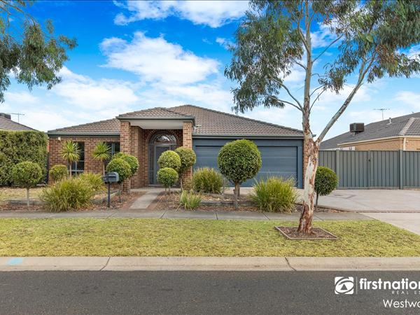 14 Eildon Avenue, Manor Lakes