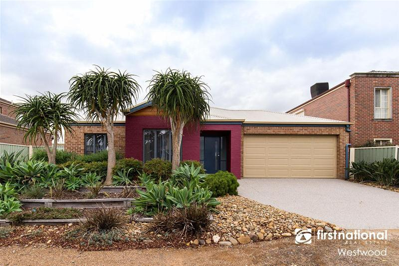 11 Kemerton Close, Point Cook