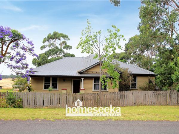 54 Glenormiston Road, Noorat VIC