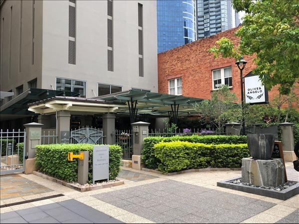 2/12 Edward Street, Brisbane City