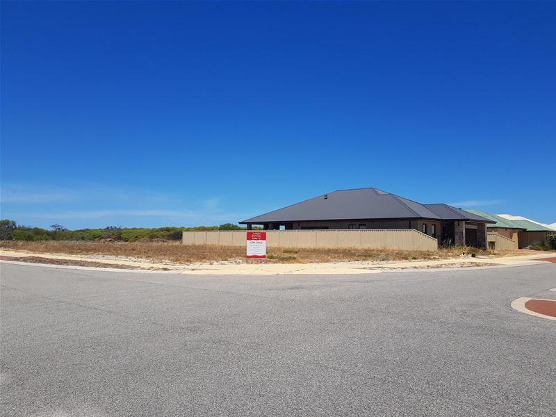 1220 (14) Figtree Way Jurien Bay WA